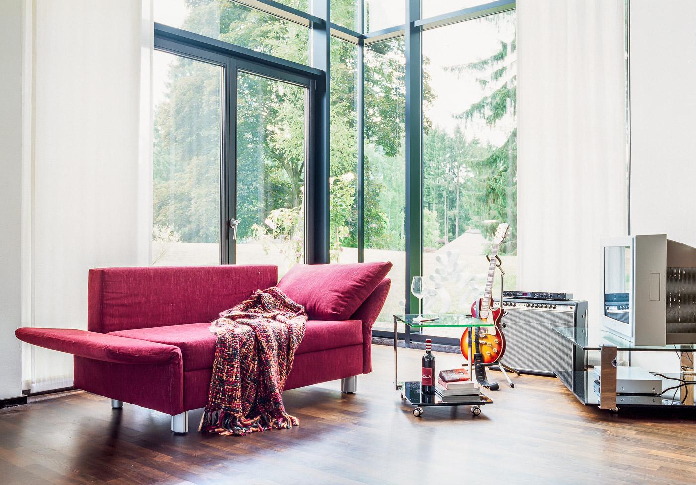 Sofa Luino von Franz Fertig in rot bei Möbel Meiss